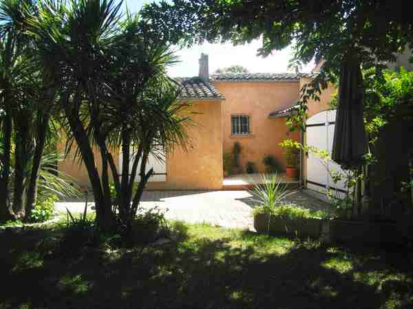 8 People Villa Rental With Pool In Fréjus Var French Riviera.