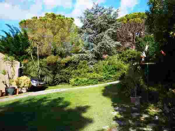 Location villa climatis e piscine fr jus var valescure for Entretien jardin frejus